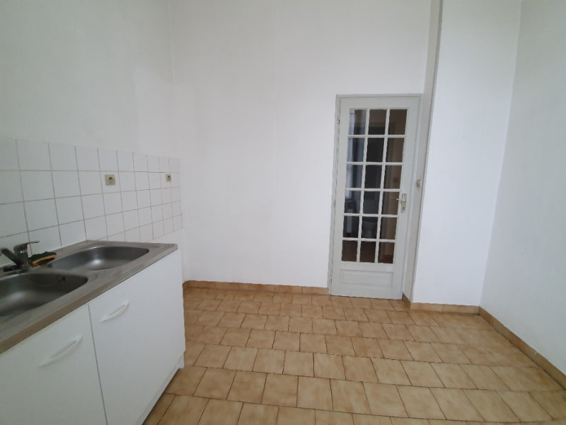 Location appartement Henrichemont 400€ CC - Photo 3