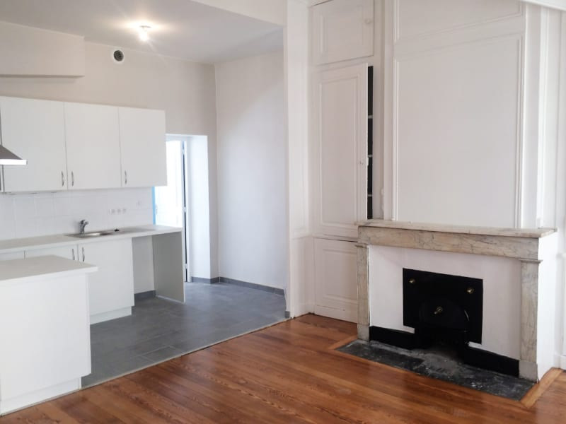 Rental apartment Lyon 1er 1 290€ CC - Picture 2