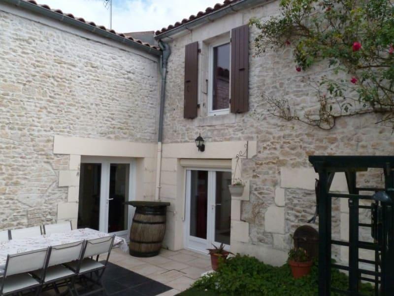 Sale house / villa Cire d'aunis 215000€ - Picture 1