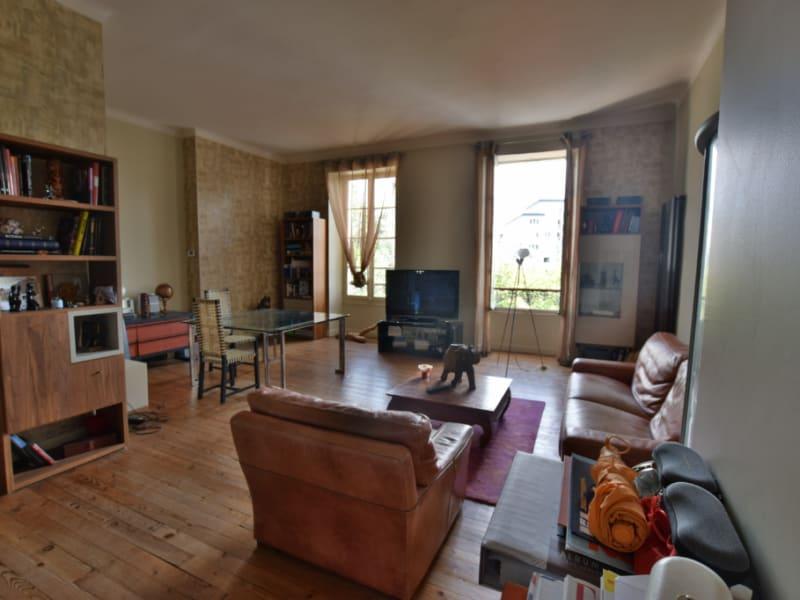 Sale apartment Pau 240000€ - Picture 2