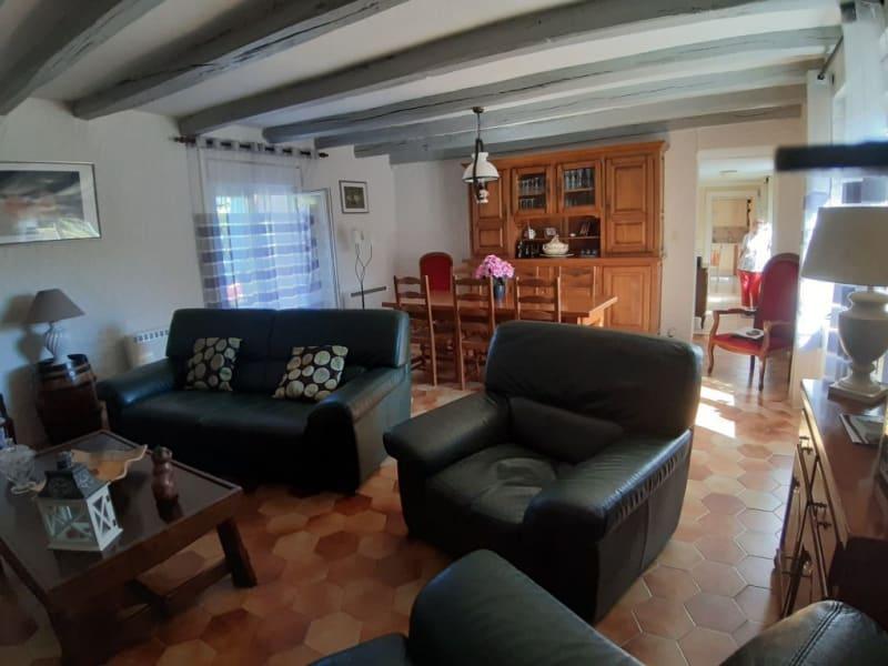 Sale house / villa St bonnet troncais 148400€ - Picture 3