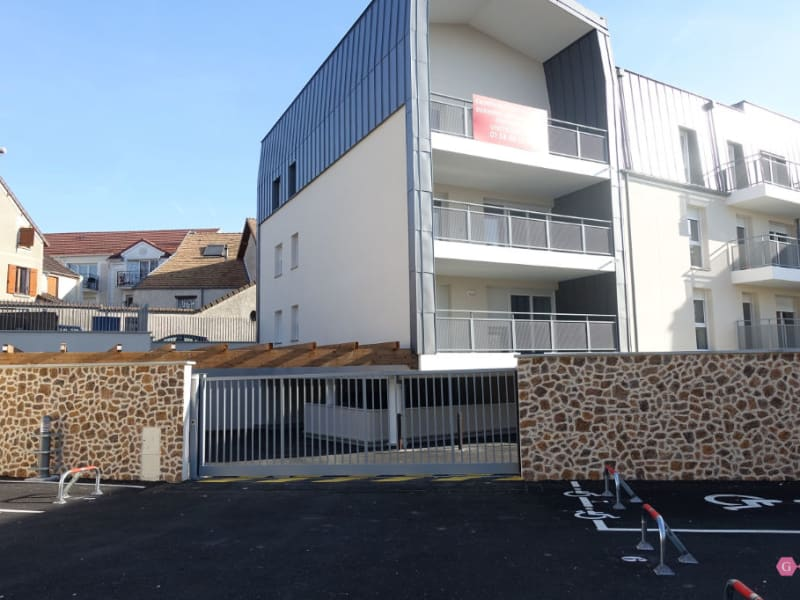 Location parking Chanteloup les vignes 55€ CC - Photo 1