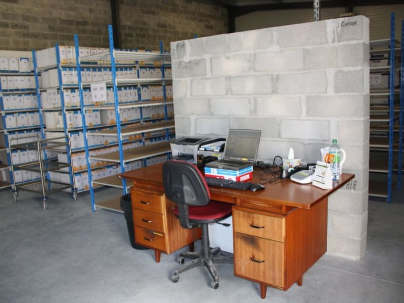 Location local commercial St jean d'illac 1 587€ HC - Photo 3