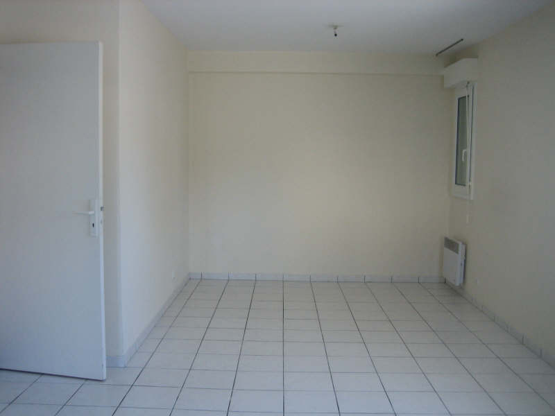 Rental apartment Pauillac 444€ CC - Picture 3