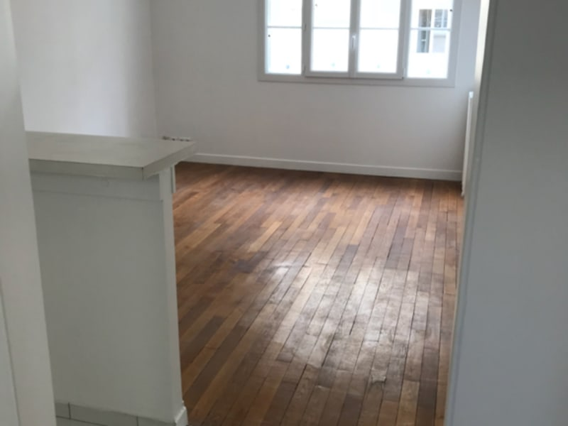 Location appartement Paris 16ème 1 424€ CC - Photo 1