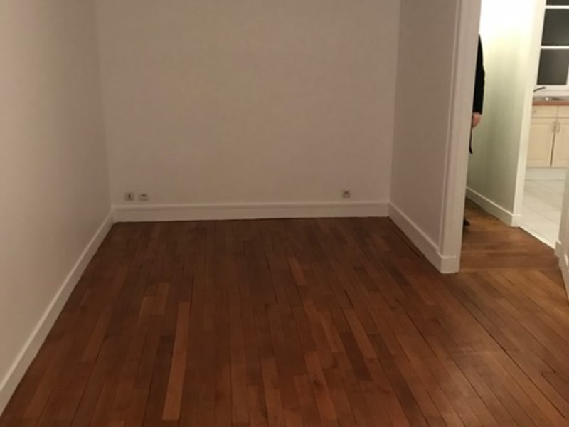 Location appartement Paris 16ème 1 424€ CC - Photo 5