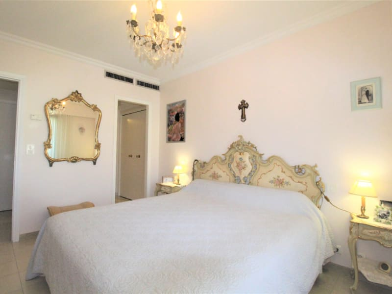 Sale apartment Antibes 956 000€ - Picture 6