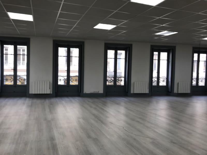 Location bureau Lyon 2ème 3410€ HC - Photo 2