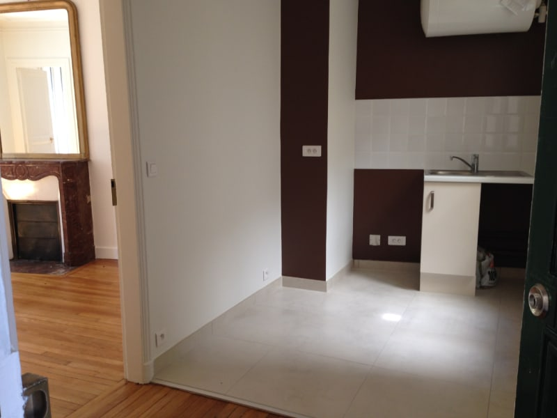 Location appartement Paris 14ème 1107€ CC - Photo 4