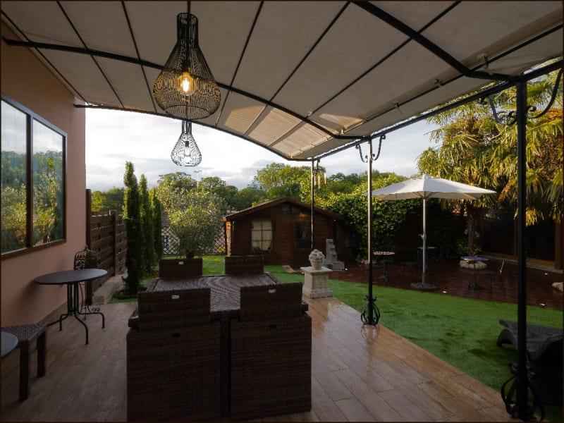 Sale house / villa Feucherolles 940000€ - Picture 2