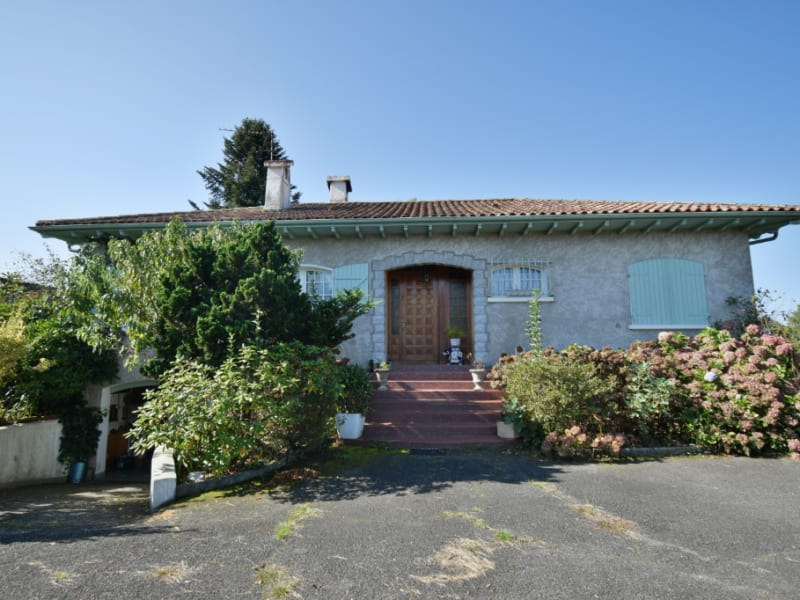 Sale house / villa Nay 211000€ - Picture 1