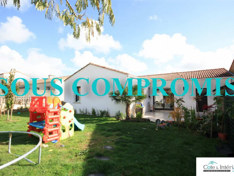 Sale house / villa Grosbreuil 225 000€ - Picture 1