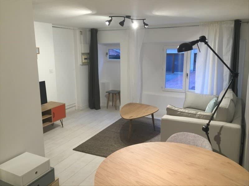 Rental apartment Lyon 6ème 593€ CC - Picture 1