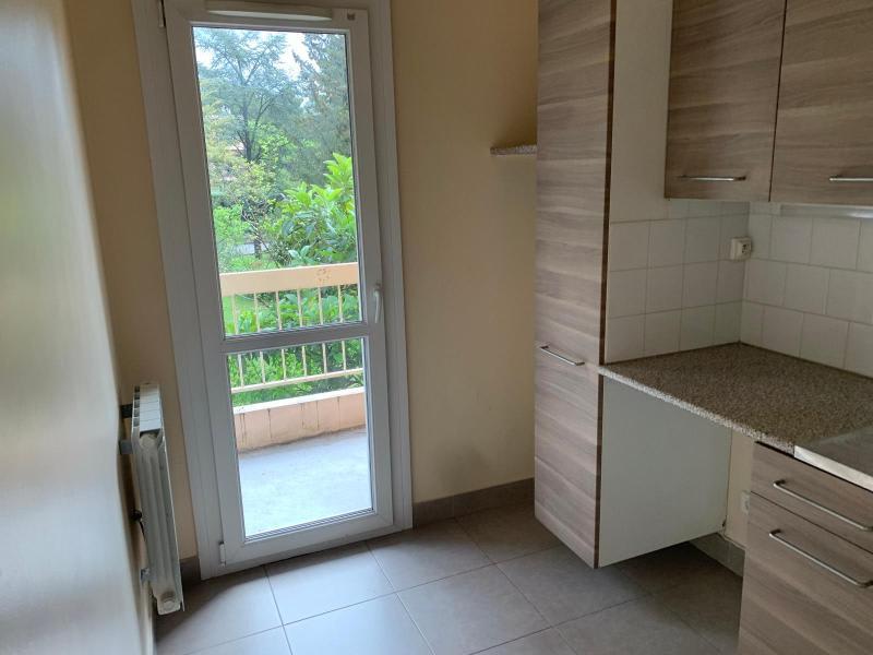 Rental apartment Aix en provence 627€ CC - Picture 4
