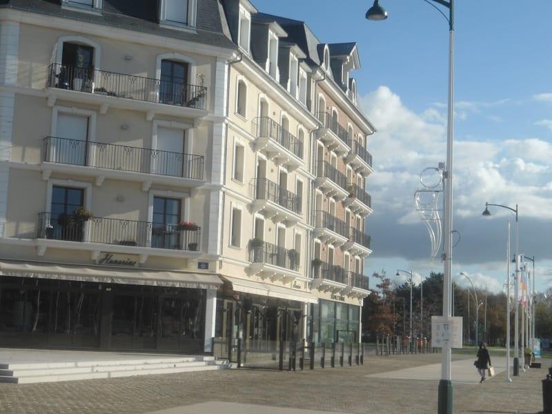 Sale apartment Deauville 890400€ - Picture 12