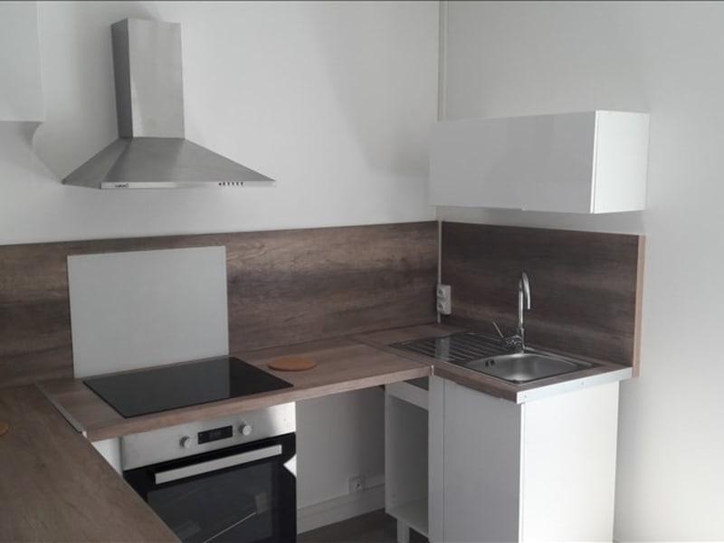 Rental apartment Lyon 3ème 693€ CC - Picture 2