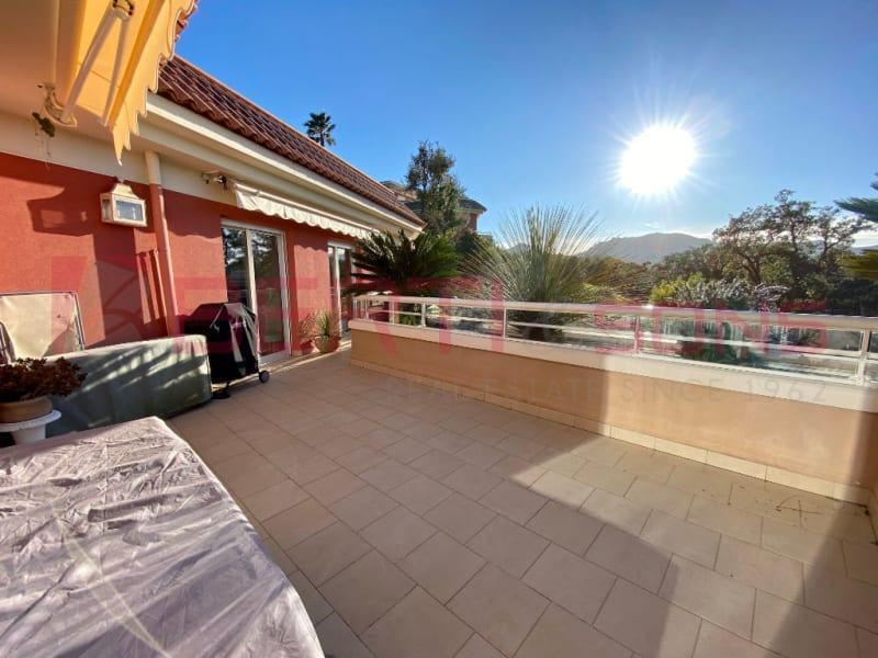 Sale apartment Mandelieu la napoule 685000€ - Picture 3