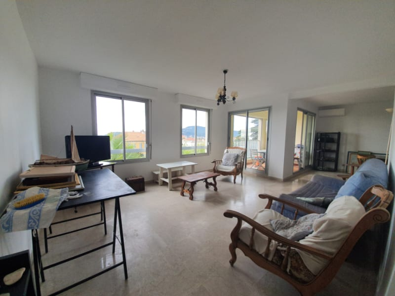 Vendita appartamento Hyeres 399000€ - Fotografia 2