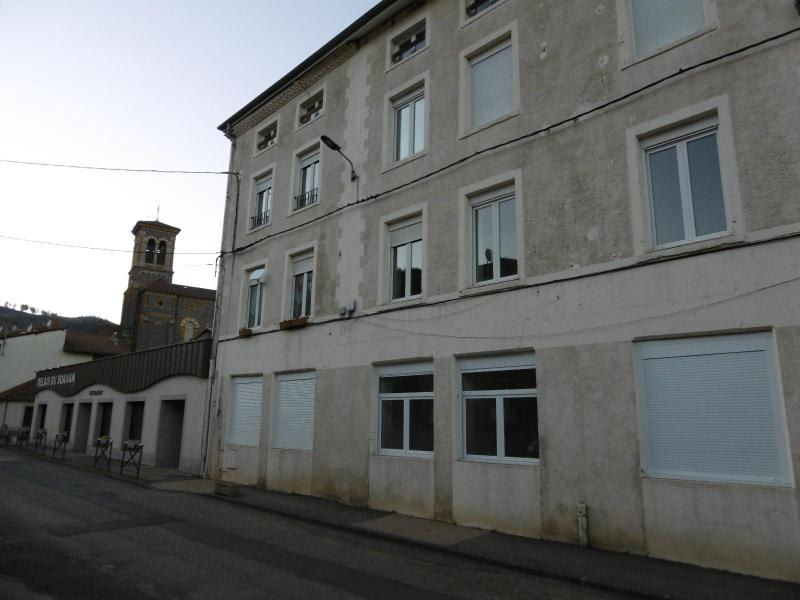 Location appartement St clement sur valsonne 365€ CC - Photo 9