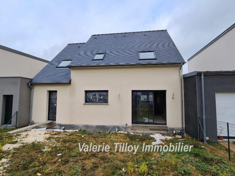 Sale house / villa Saint erblon 300150€ - Picture 2