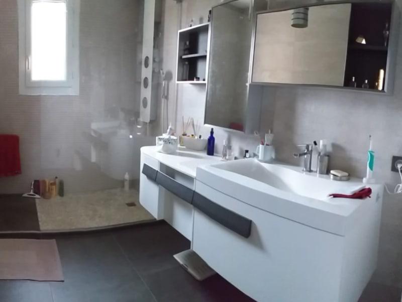 Sale house / villa Iteuil 342400€ - Picture 3
