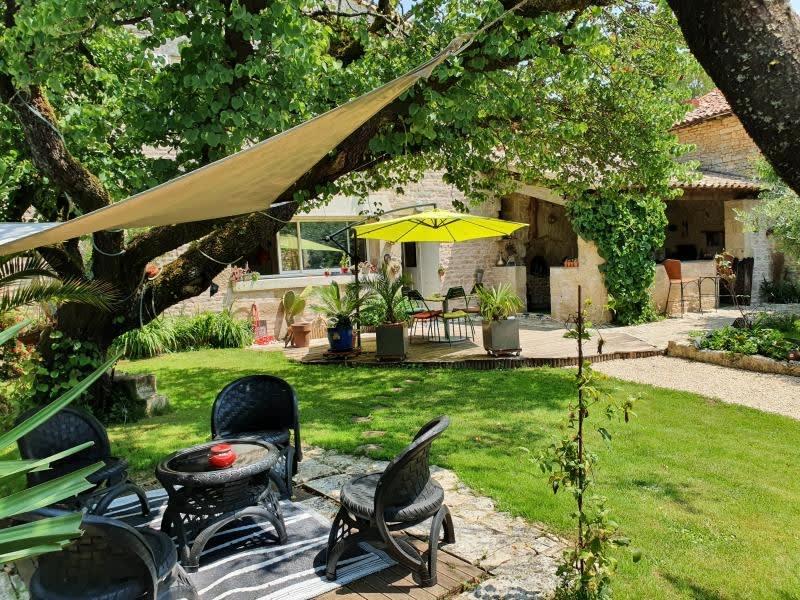 Sale house / villa Echire 278000€ - Picture 1
