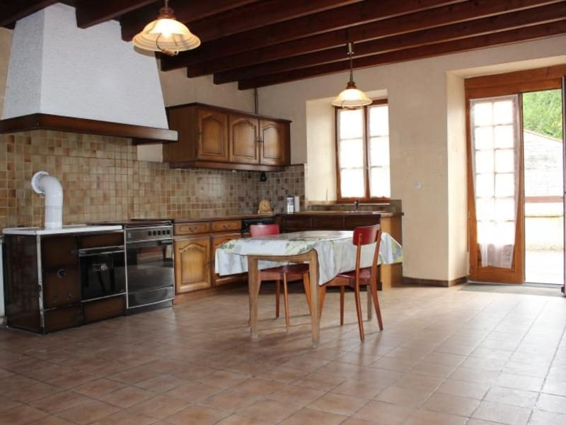 Sale house / villa Chef boutonne 91 000€ - Picture 2