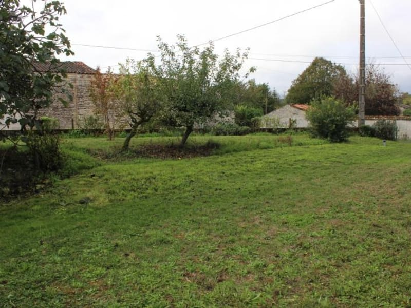 Sale house / villa Chef boutonne 91 000€ - Picture 7