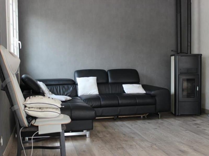 Sale house / villa Brioux sur boutonne 149000€ - Picture 2
