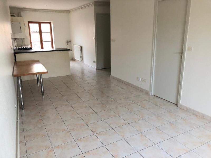 Location appartement Villefranche sur saone 491,50€ CC - Photo 2