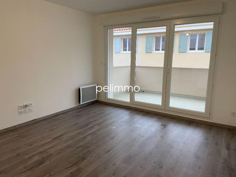 Location appartement Grans 650€ CC - Photo 3