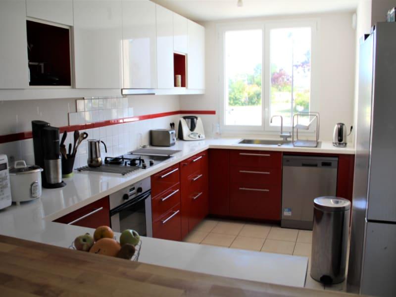 Sale house / villa La ville aux dames 259990€ - Picture 6
