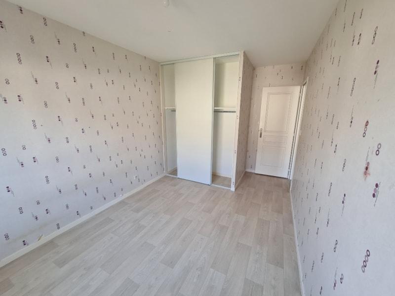 Sale house / villa La ville aux dames 259990€ - Picture 9