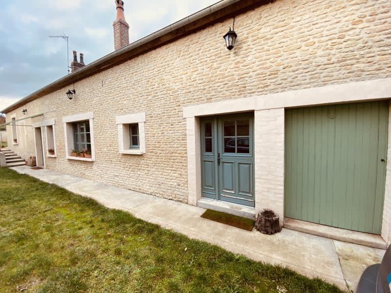 Sale house / villa Vendeuvre 189000€ - Picture 1