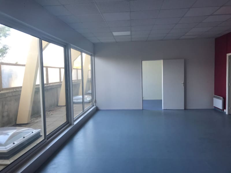Location local commercial Saint omer 2825€ CC - Photo 5