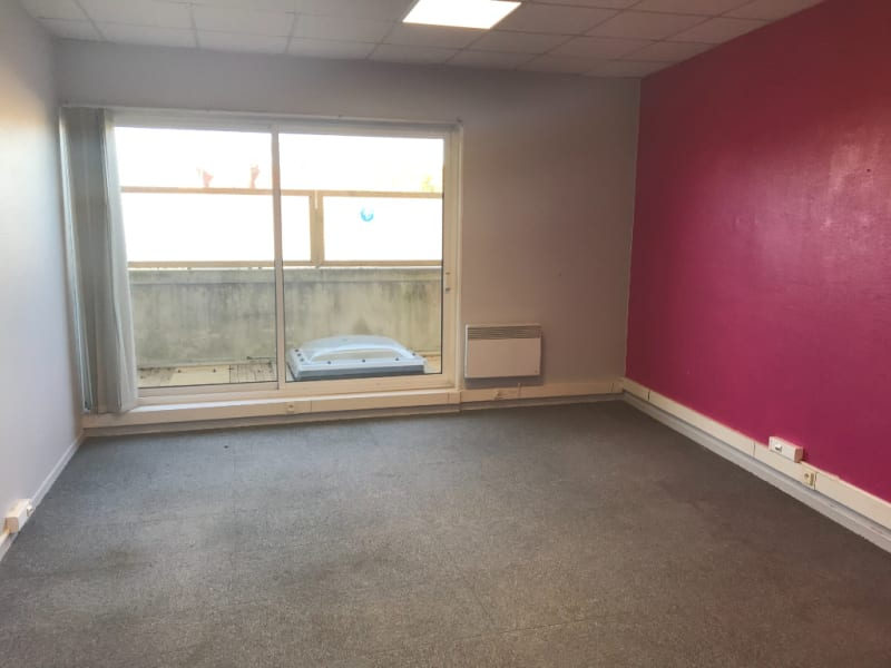 Location local commercial Saint omer 2825€ CC - Photo 8
