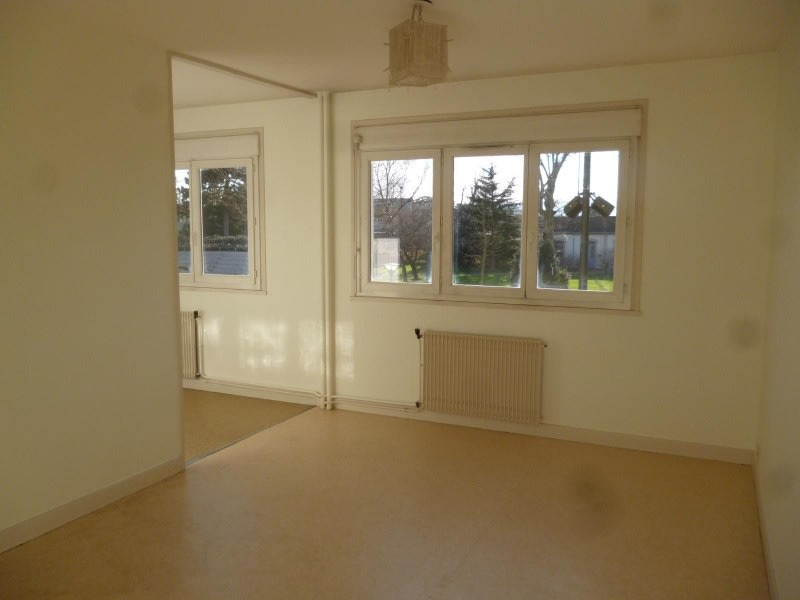 Location appartement Le coteau 320€ CC - Photo 1