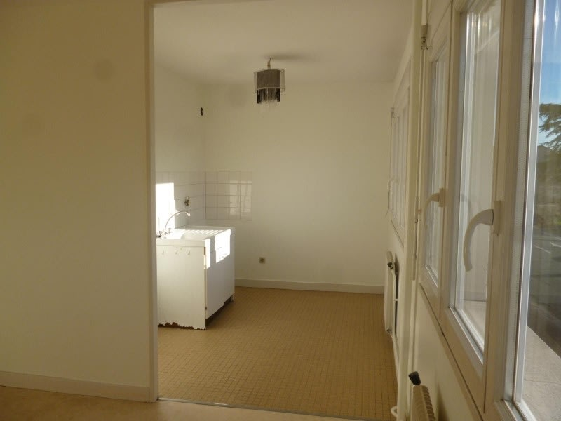 Location appartement Le coteau 320€ CC - Photo 2