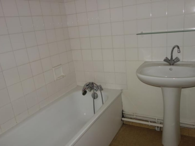 Location appartement Le coteau 595€ CC - Photo 5