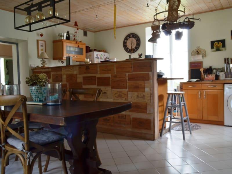 Vente maison / villa Velluire 262800€ - Photo 4