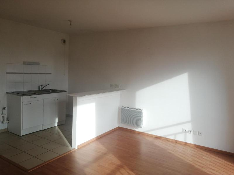 Rental apartment Saint-omer 520€ CC - Picture 2