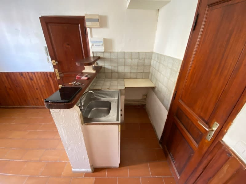 Location appartement Toulon 365€ CC - Photo 2