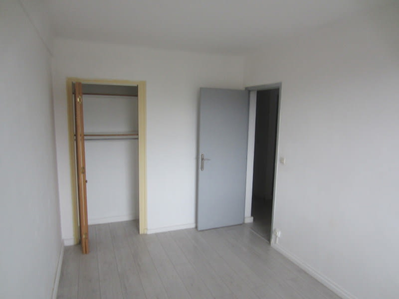 Location appartement La seyne-sur-mer 690€ CC - Photo 6