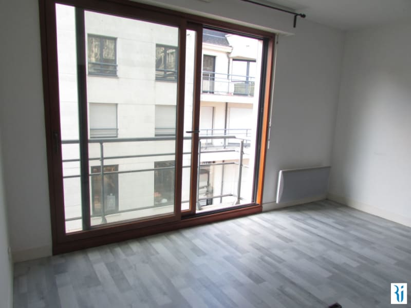 Rental apartment Rouen 642€ CC - Picture 2