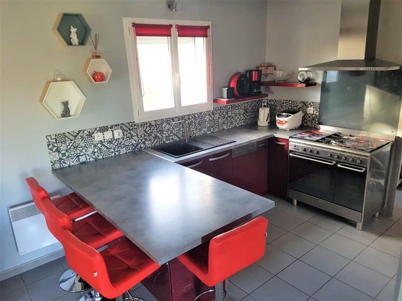 Sale house / villa Le burgaud 227999€ - Picture 4