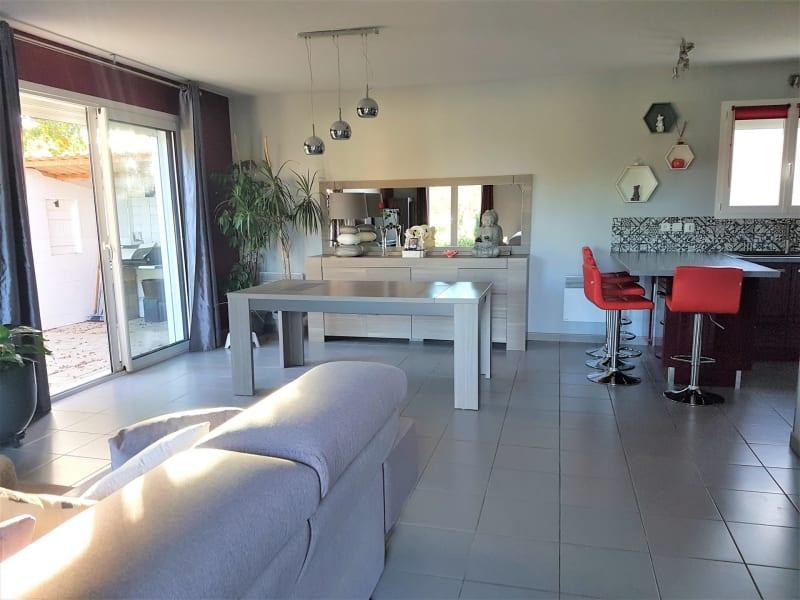 Sale house / villa Le burgaud 227999€ - Picture 2