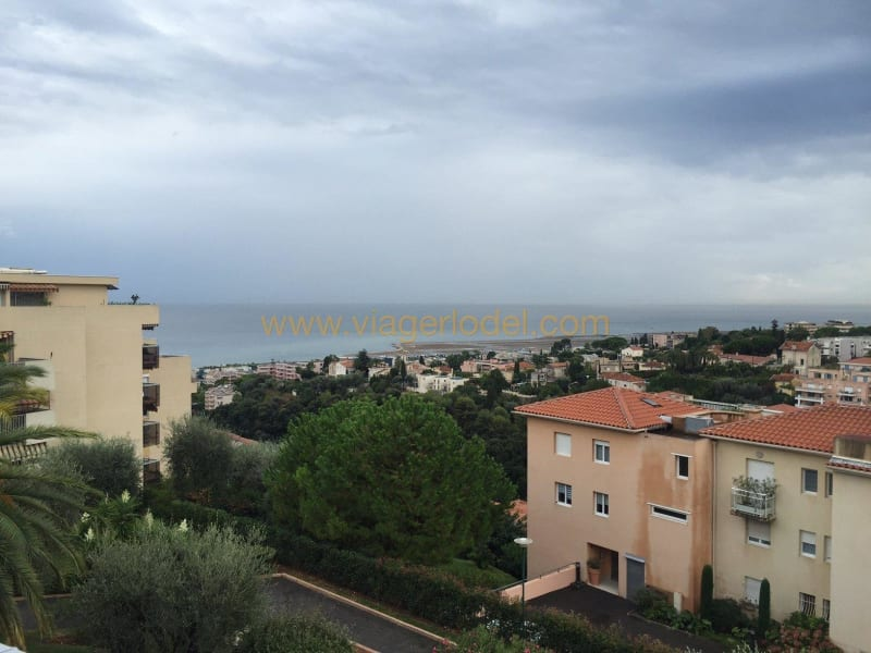 Sale apartment Nice 367500€ - Picture 2