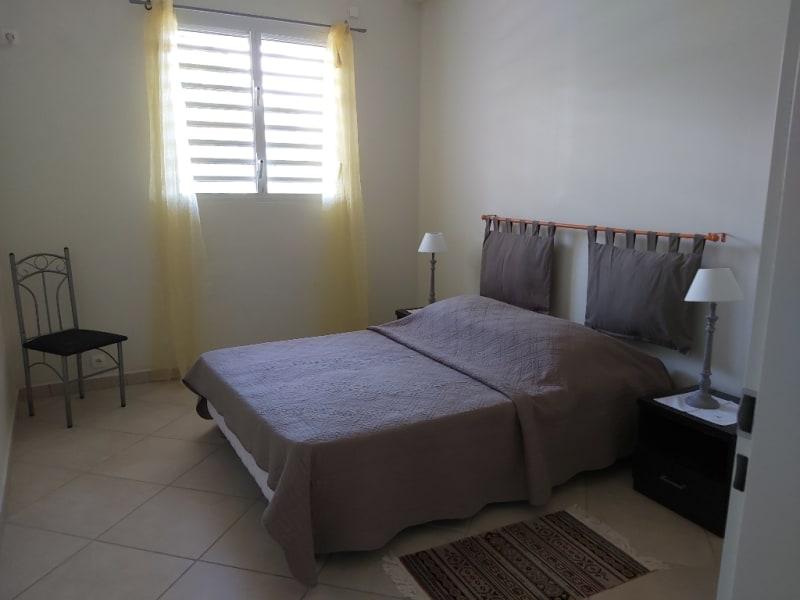 Location maison / villa Sainte anne 730€ CC - Photo 4