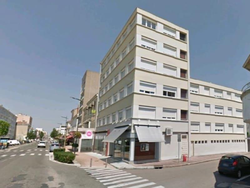 Rental parking spaces Le coteau 21,50€ CC - Picture 1