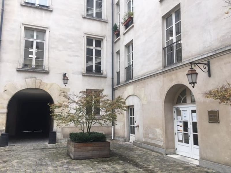 Location bureau Paris 3ème 32218€ CC - Photo 2